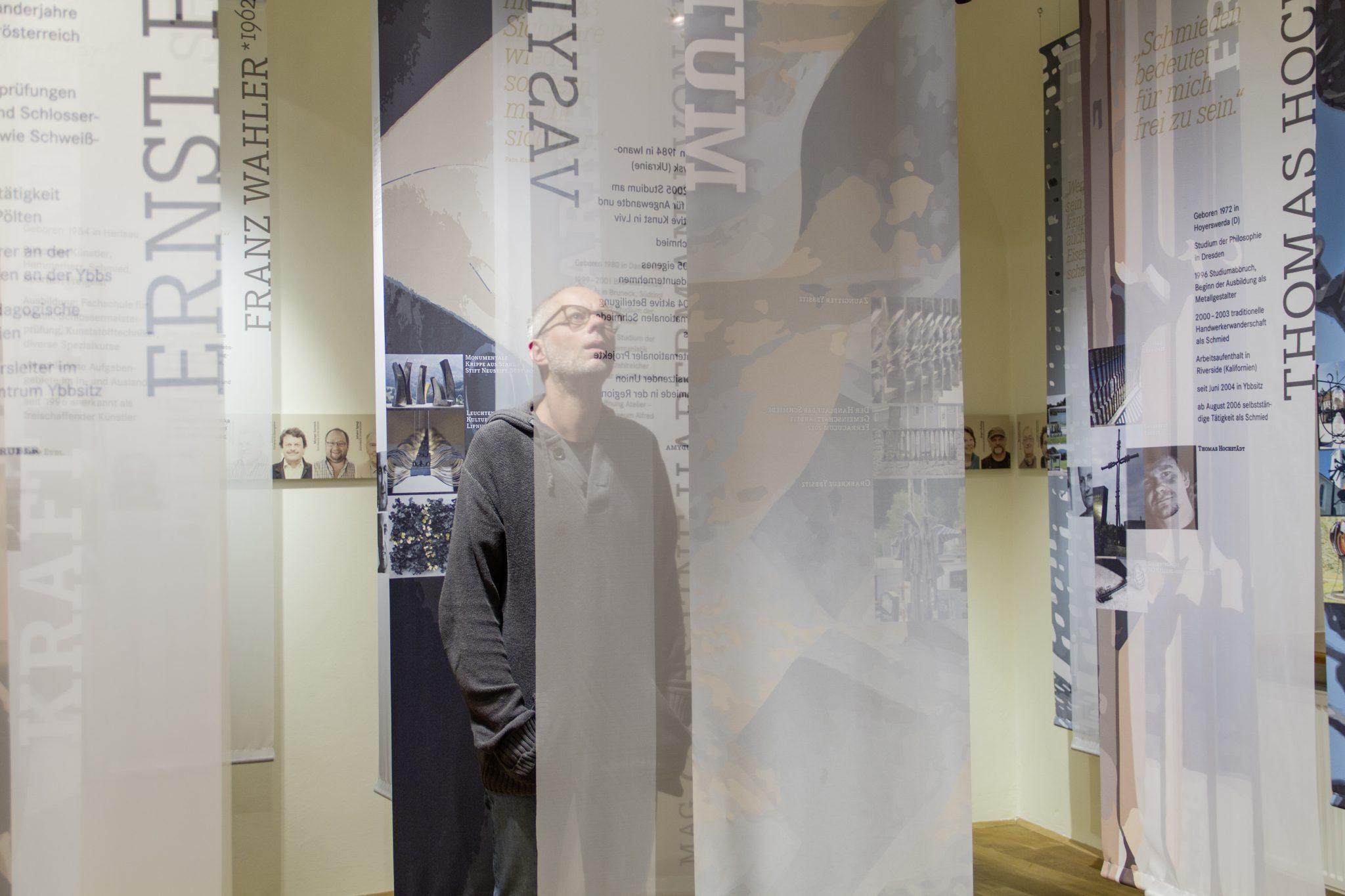 textile Bild- und Texthänger zum Thema Schmiedehandwerk heute