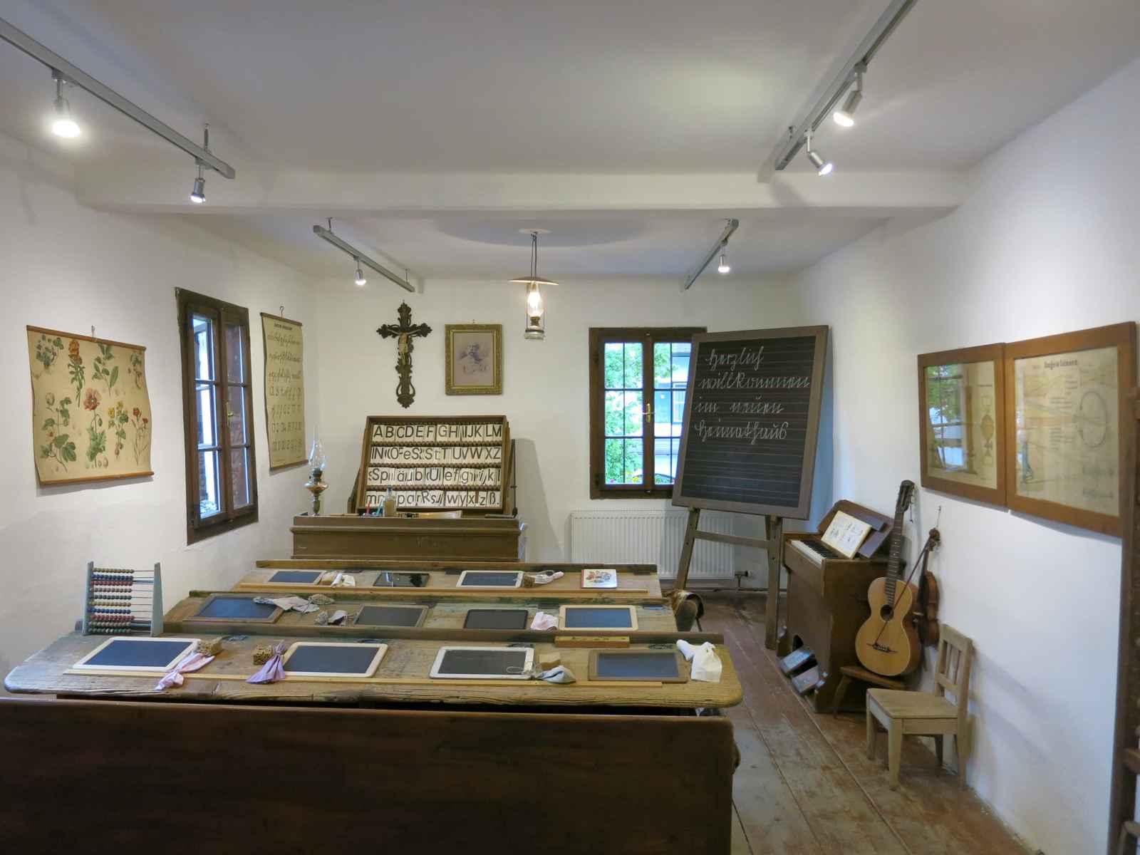 Klassenraum um 1900